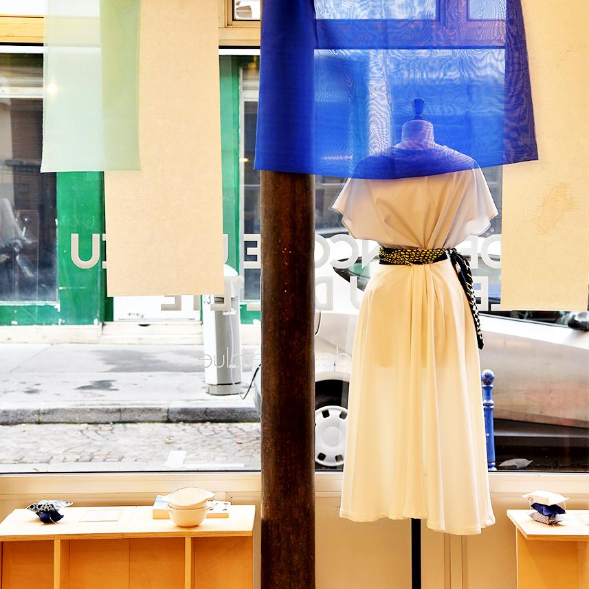 Scénographie de vitrine pour Front de Mode